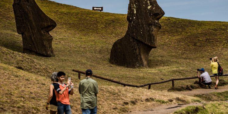 Paskalya Adası, Moai Heykelleri ve Komplo Teorileri!