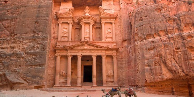 Antik Kent Petra: Dünyanın Yeni 7 Harikasından Biri!