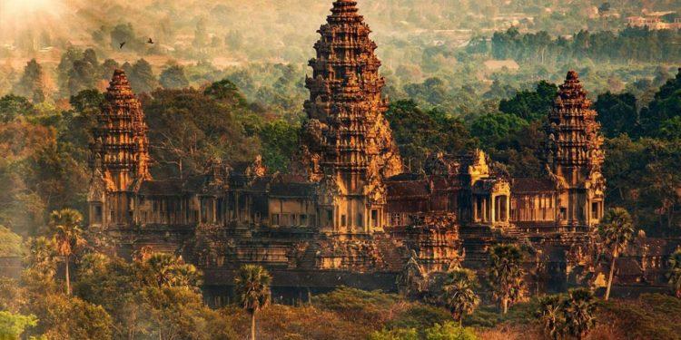 Angkor Wat: Dünyanın En Büyük Tapınağı!