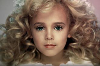 6 Yaşında Öldürülen Güzellik Kraliçesi: JonBenet Ramsey!
