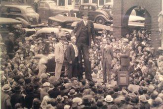 272 Santim Boyu ile Tarihin En Uzun İnsanı: Robert Wadlow!