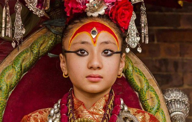 Nepal'in Tuhaf Geleneği: Tanrıça Seçilen Kumariler!