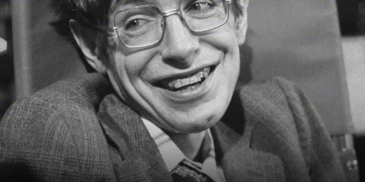 Stephen Hawking ve Eğlenceli Zaman Makinesi Deneyi!